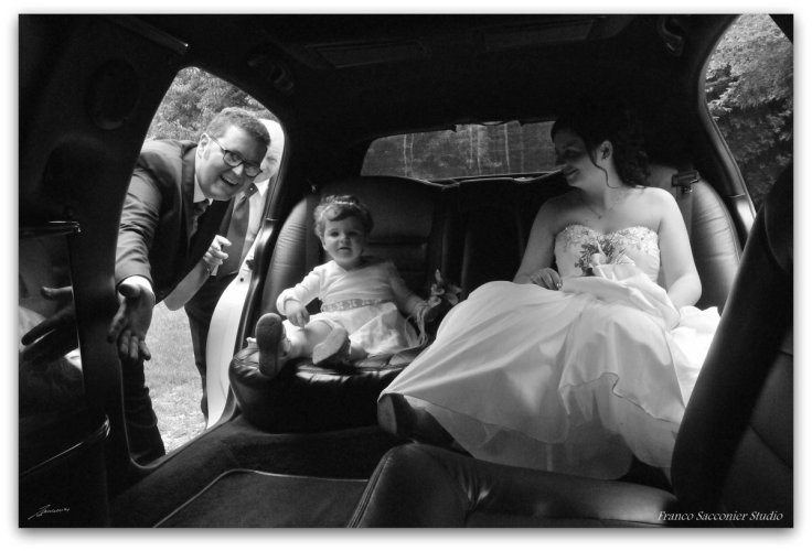 ...dentro la limousine....